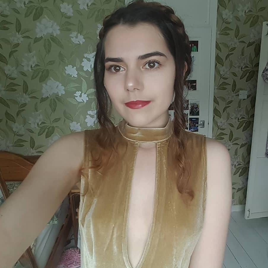 @write_with_iona Profile Image | Linktree