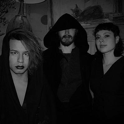 Willow Waters La Curandera & The Ritual [improvised experimental dark noise] Link Thumbnail   Linktree