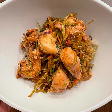 @amysmealdeal Thai Basil Chicken - @skinnytaste Link Thumbnail | Linktree