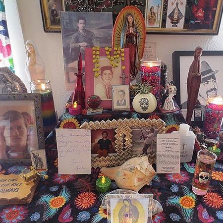 @Bonniecisneros Altar-ing: A Latinx Creative Nonfiction Zine Workshop @ Chi Pub Lib Link Thumbnail   Linktree
