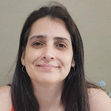 @anavale Profile Image | Linktree