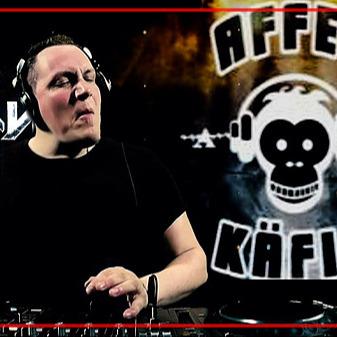 Sebastian Groth - Links & News [Stream] Sebastian Groth - Affenkäfig is Back - Livestream [Hard Techno] Link Thumbnail   Linktree