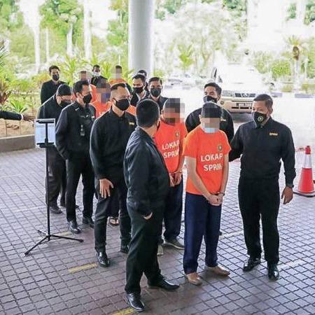 @sinar.harian Enam kakitangan bank direman seminggu kes rasuah RM18 juta Link Thumbnail | Linktree