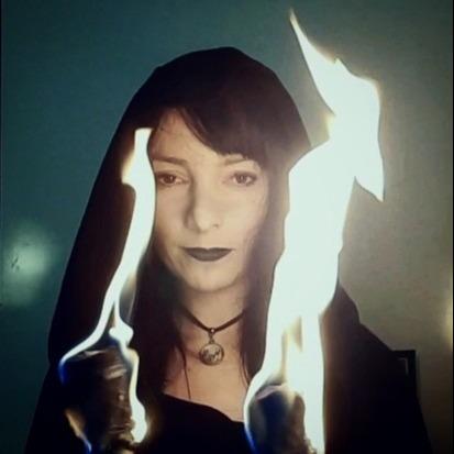 Marcia • Caverna de Hekate (azwenwitch) Profile Image   Linktree
