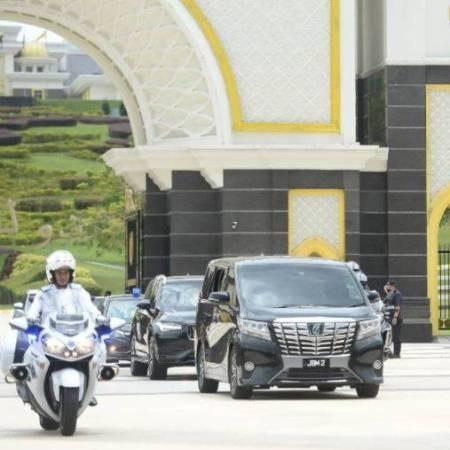 @sinar.harian Muhyiddin beredar dari Istana Negara selepas 39 minit Link Thumbnail | Linktree