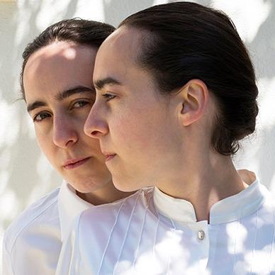 Stephanie & Marianna Kapsetaki (kapsetakitwins) Profile Image   Linktree