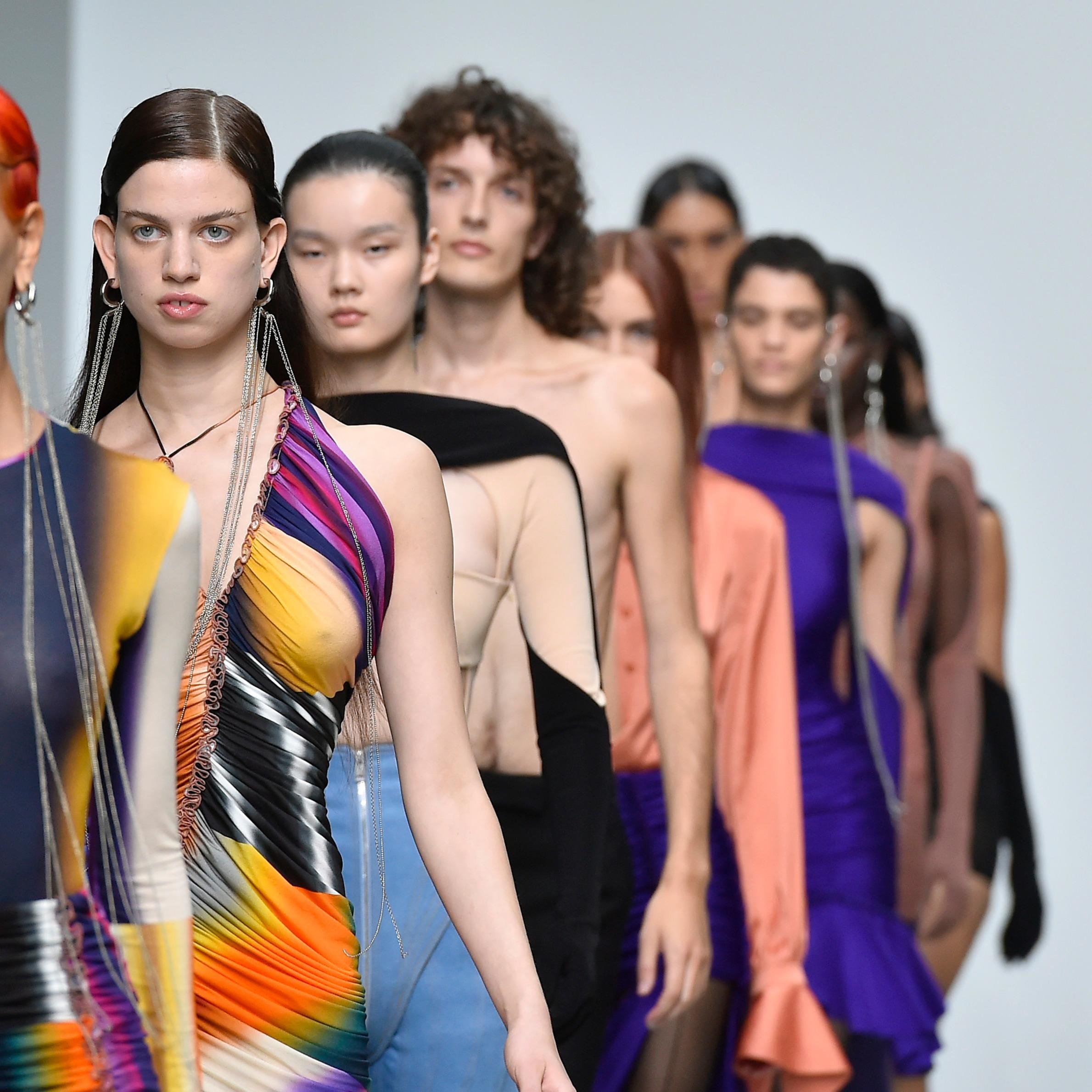 @fashionhr PFW: Maison Margiela, Mugler, Chloé i Isabel Marant predstavili upečatljive modne vizije Link Thumbnail | Linktree