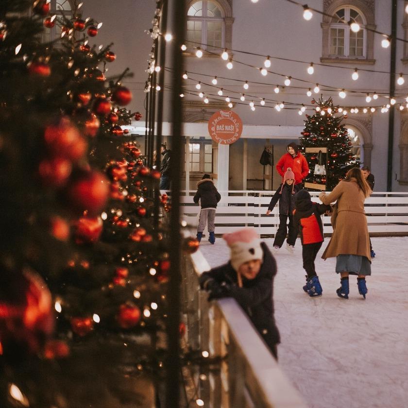 @fashionhr Ove godine ne propustite posjetiti bajkovito klizalište u Klovićevim dvorima! Link Thumbnail | Linktree