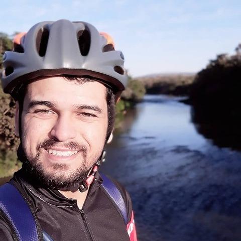Bruno de Alencar Valadares (brunovaladares) Profile Image   Linktree