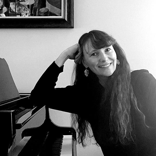 @JulieHanneyPiano Profile Image | Linktree