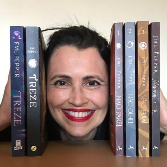 Quer mais dos meus livros e personagens?: Facebook Fan Page