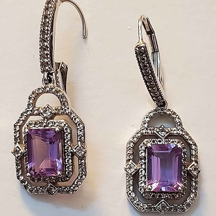 @lindalubeautybar My Fav Jewelry store Link Thumbnail | Linktree