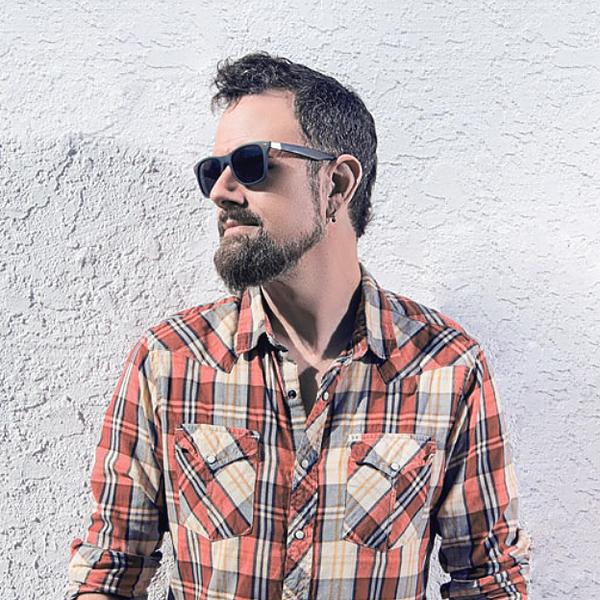 JESSE BREWSTER - MUSICIAN WEBSITE Link Thumbnail | Linktree