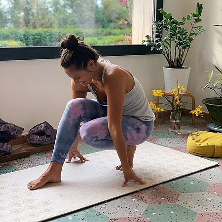 @aleshacarmelayoga FREE Yoga Practices Link Thumbnail | Linktree