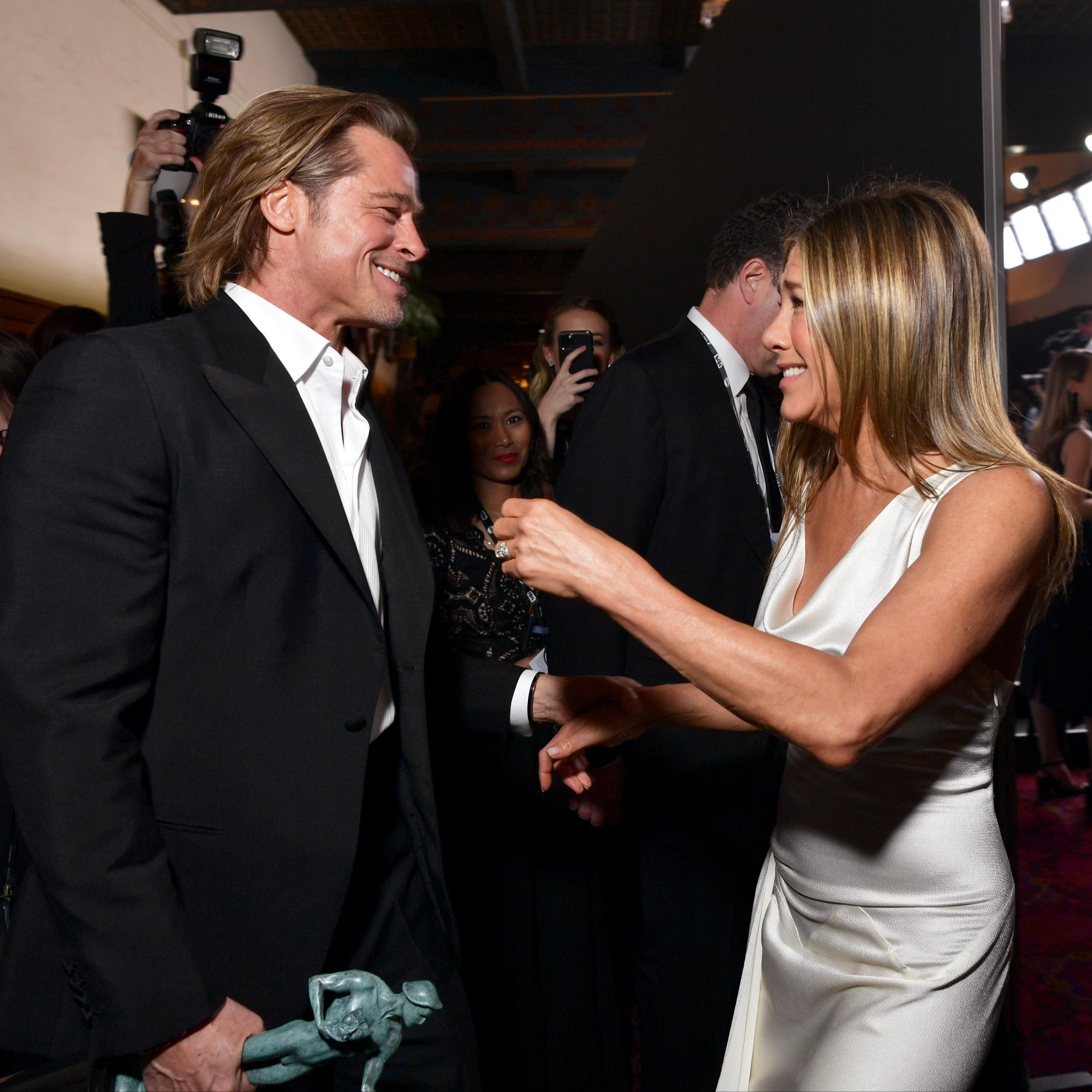@fashionhr Zašto smo toliko opsjednuti ljubavnom pričom Brada Pitta i Jennifer Aniston? Link Thumbnail | Linktree