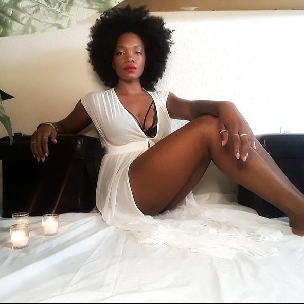 @lealarae Profile Image | Linktree