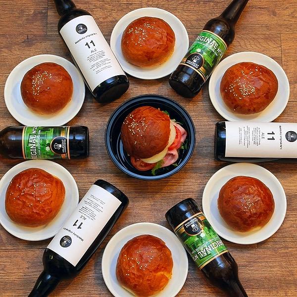 PIVO & HOUSKA (naše domácí housky a skvělá piva každý den od 15 hodin)