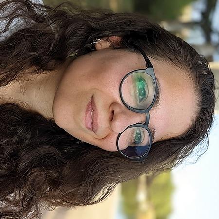 @rosansia Profile Image | Linktree