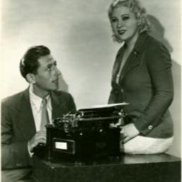 LindaAnn LoSchiavo, writer The Mae West Blog Link Thumbnail   Linktree