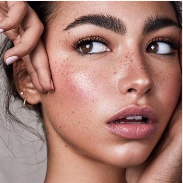@fashionhr Isprobali smo tekući puder koji istovremeno prikriva sve nedostatke te njeguje kožu lica Link Thumbnail | Linktree