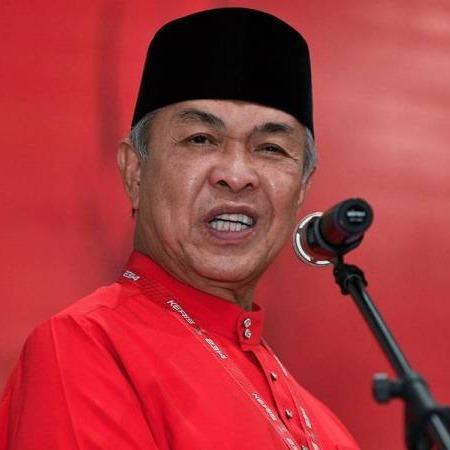 @sinar.harian Tarik sokongan bukan kerana UMNO mahu PRU15 sekarang: Zahid Link Thumbnail | Linktree