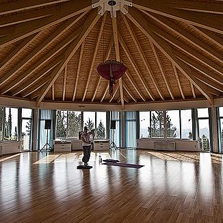 Yoga Retreat in Corfu, Greece (julieandyogaretreat) Profile Image | Linktree