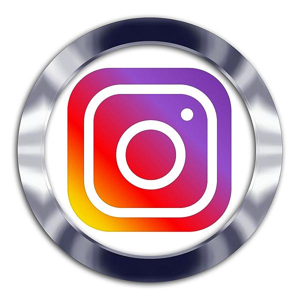 Kira's Klaw Polish Follow me on Instagram Link Thumbnail | Linktree