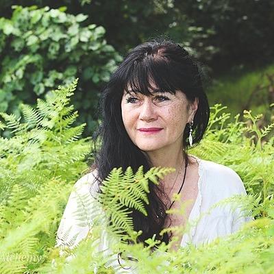 @jocelynoades Profile Image   Linktree