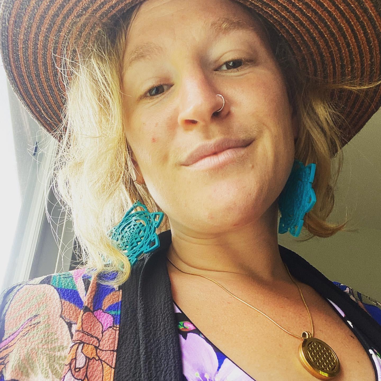 @ariellebrown Profile Image | Linktree