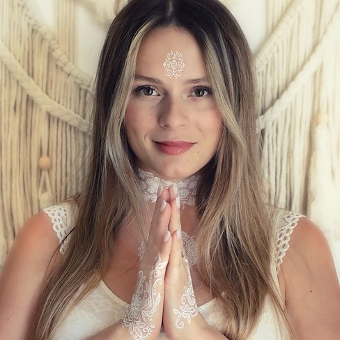 @anastasia_bellone Profile Image | Linktree