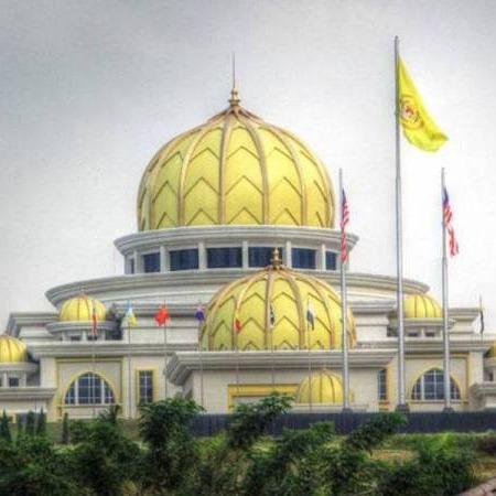@sinar.harian Perbincangan Khas Raja-Raja Melayu pada 16 Jun ini  Link Thumbnail | Linktree