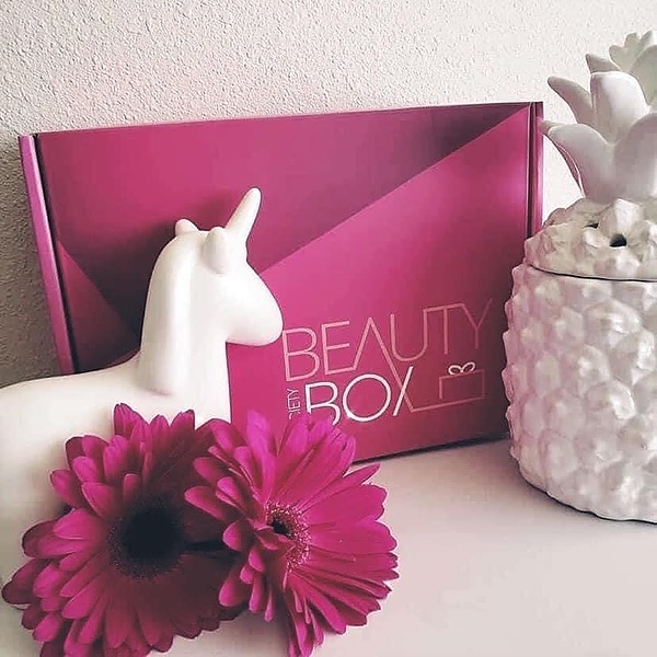 Beauty Inside and Out Discounted Beauty Box! Link Thumbnail | Linktree