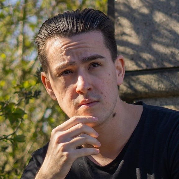 @LaurentiuAndrei Profile Image | Linktree