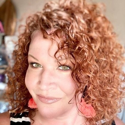 @DanielleRomero Profile Image | Linktree
