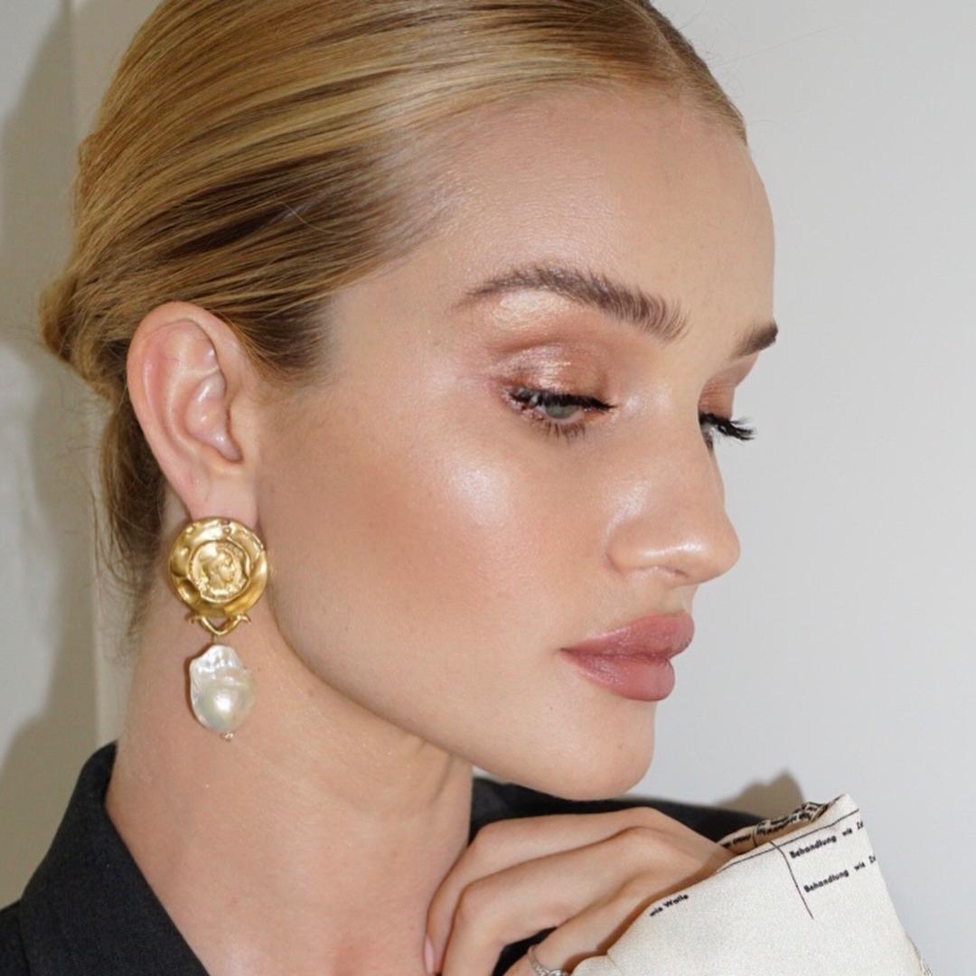 @fashionhr Najbolji tekući highlighteri za blistavi izgled kože lica Link Thumbnail | Linktree