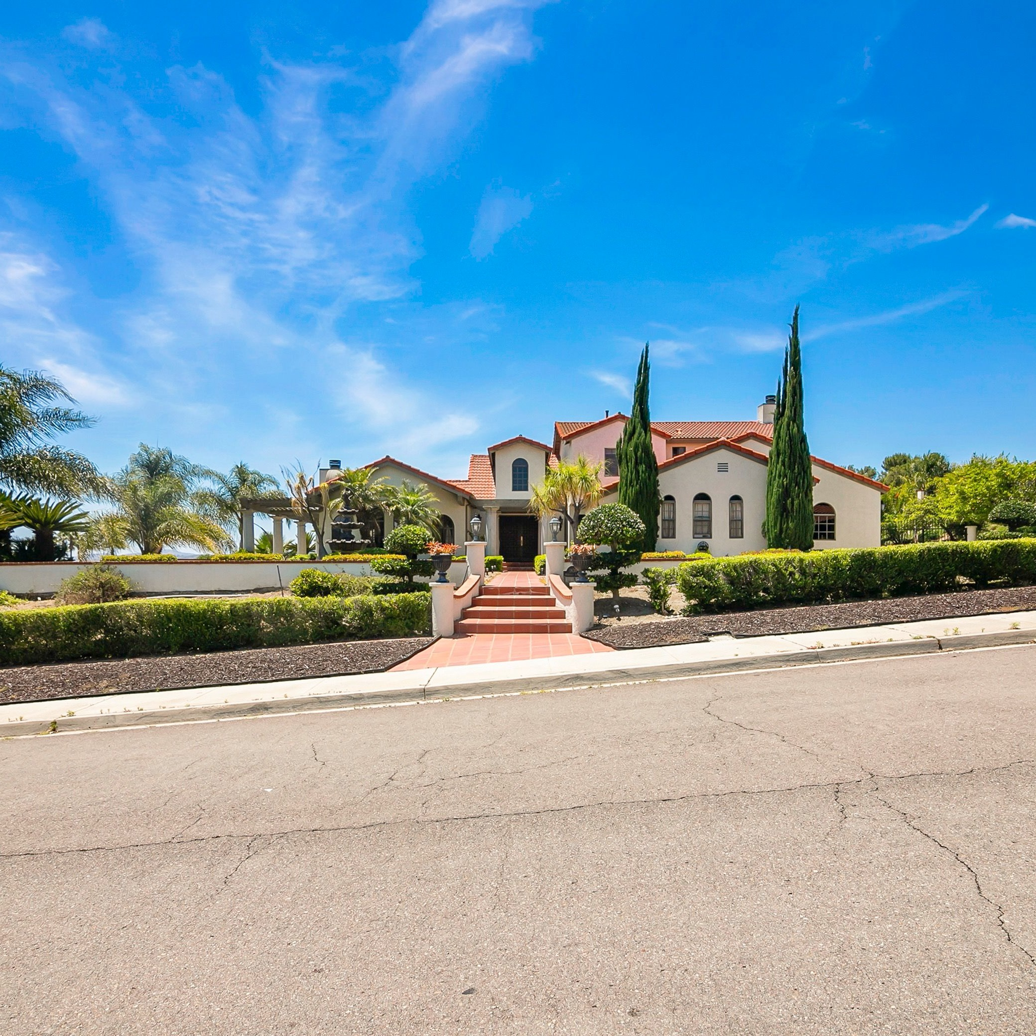 1830 Oldfield Ct, Rancho San Diego