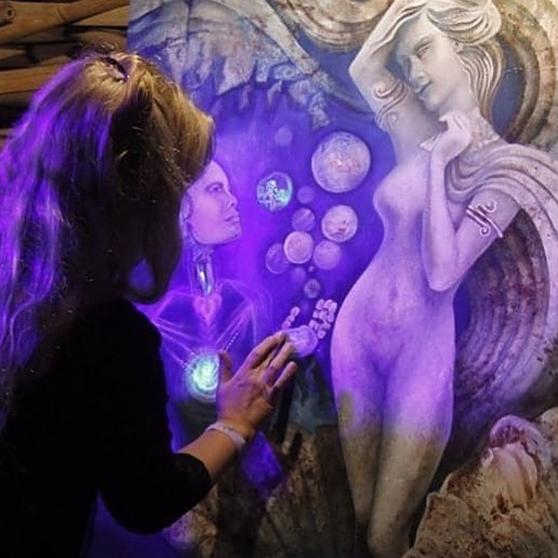 @katiahonour Gallery of Artworks  Link Thumbnail   Linktree
