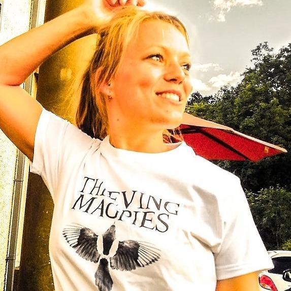 @thievingmagpies Profile Image | Linktree