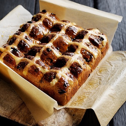 @donna.hay Better for you Hot Cross Buns  Link Thumbnail   Linktree