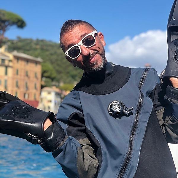14.30 - 15.00: Luca Coltri: VideoSmart, Filmare in Immersione con il proprio smartphone.