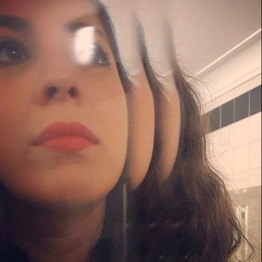 @alessandra_kr Profile Image   Linktree