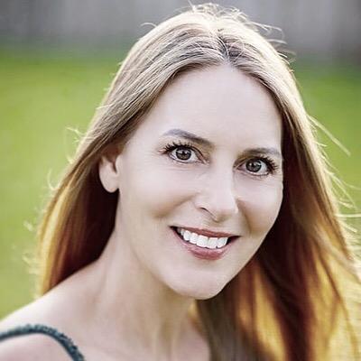 Psychic Medium, Author, Healer (Alignwithdivine) Profile Image | Linktree