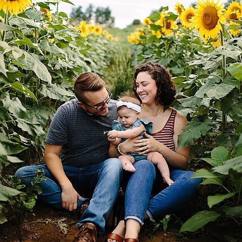 @hilaryhyland Sunflower Session Link Thumbnail | Linktree